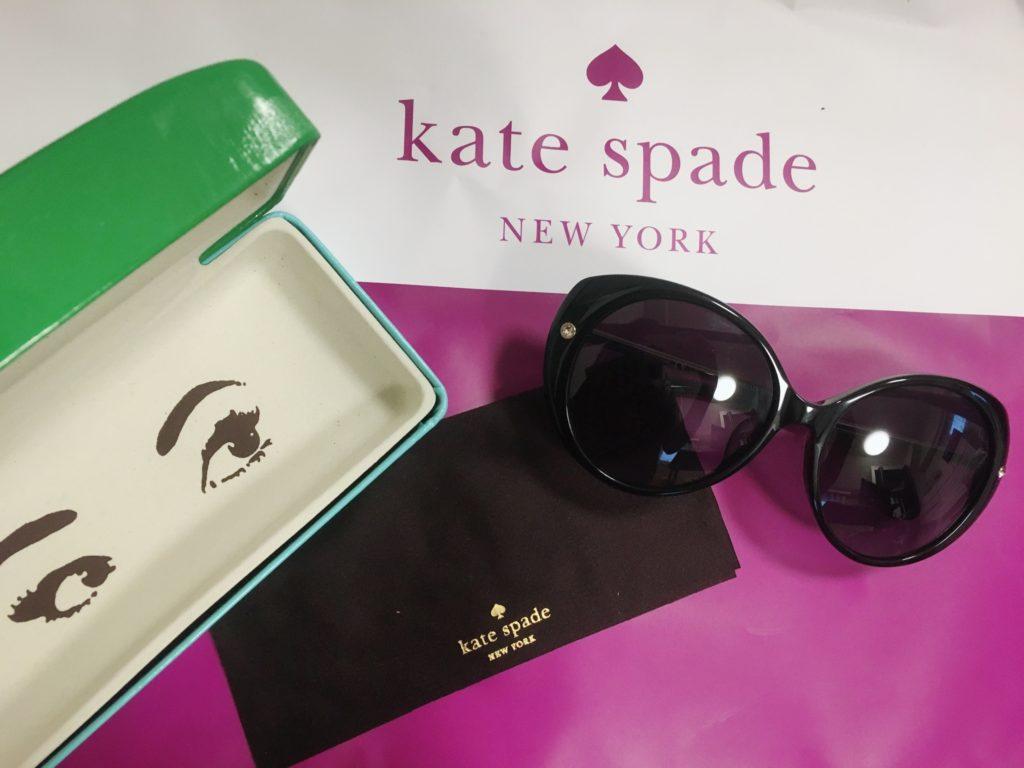 ケイトスペードのサングラスと付属品
