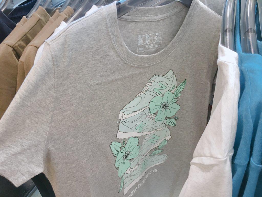 横浜アウトレットニューバランスTシャツ