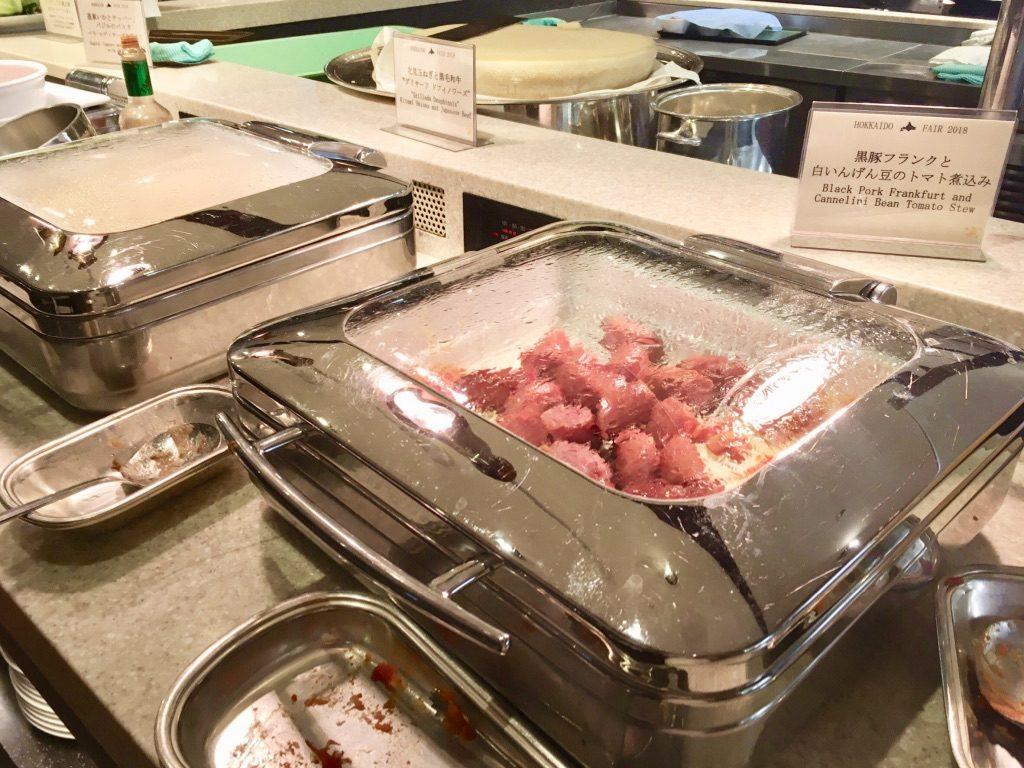 黒豚フランクと白いんげん豆のトマト煮込み