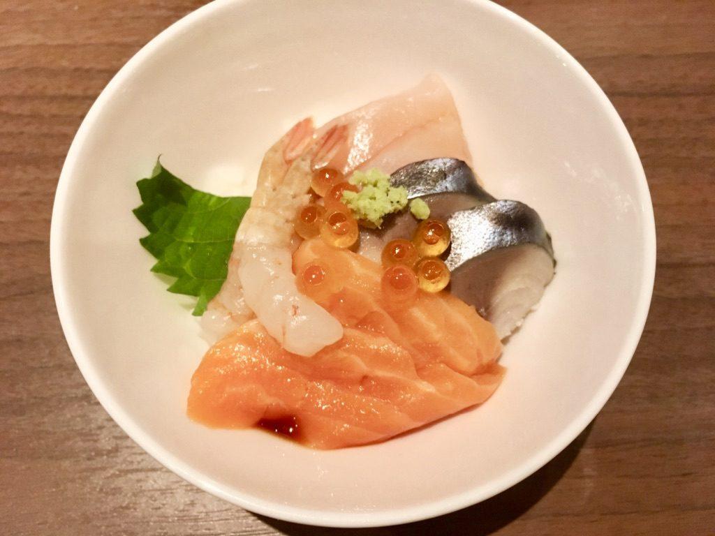 えびあり海鮮丼おかわり