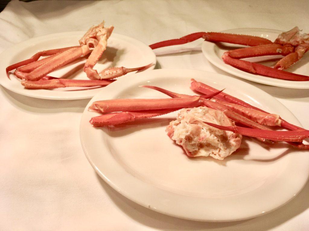 蟹の鉄板蒸しカウンター