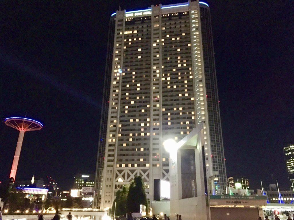 夜のライトアップ東京ドームホテル