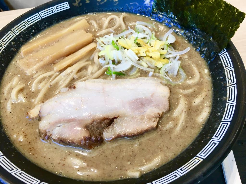 木更津アウトレット 松戸富田製麺 濃厚中華そば820円のアップ
