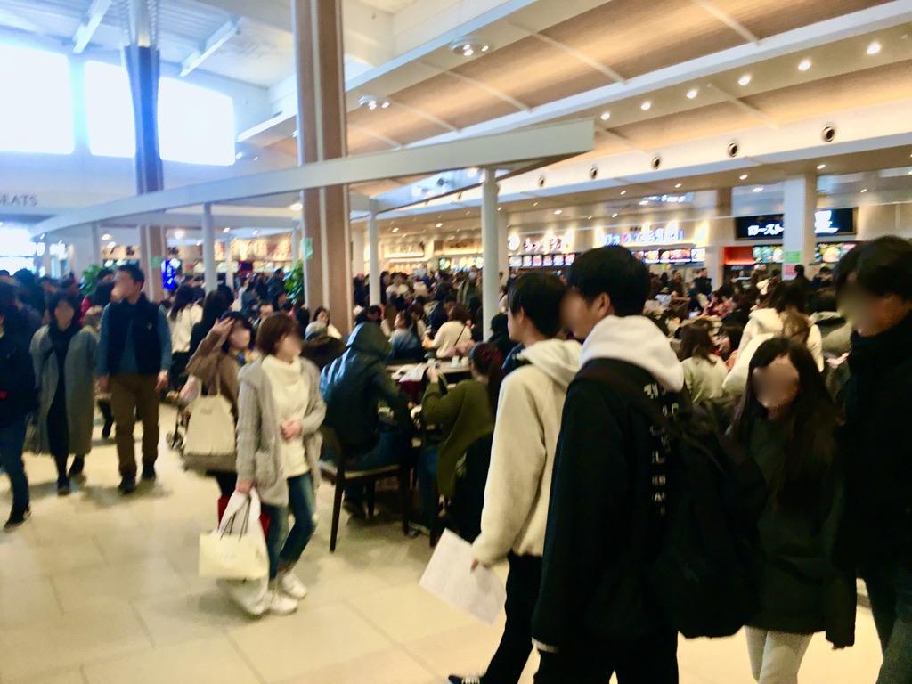 お正月三ヶ日の木更津アウトレットフードコートの混雑状況