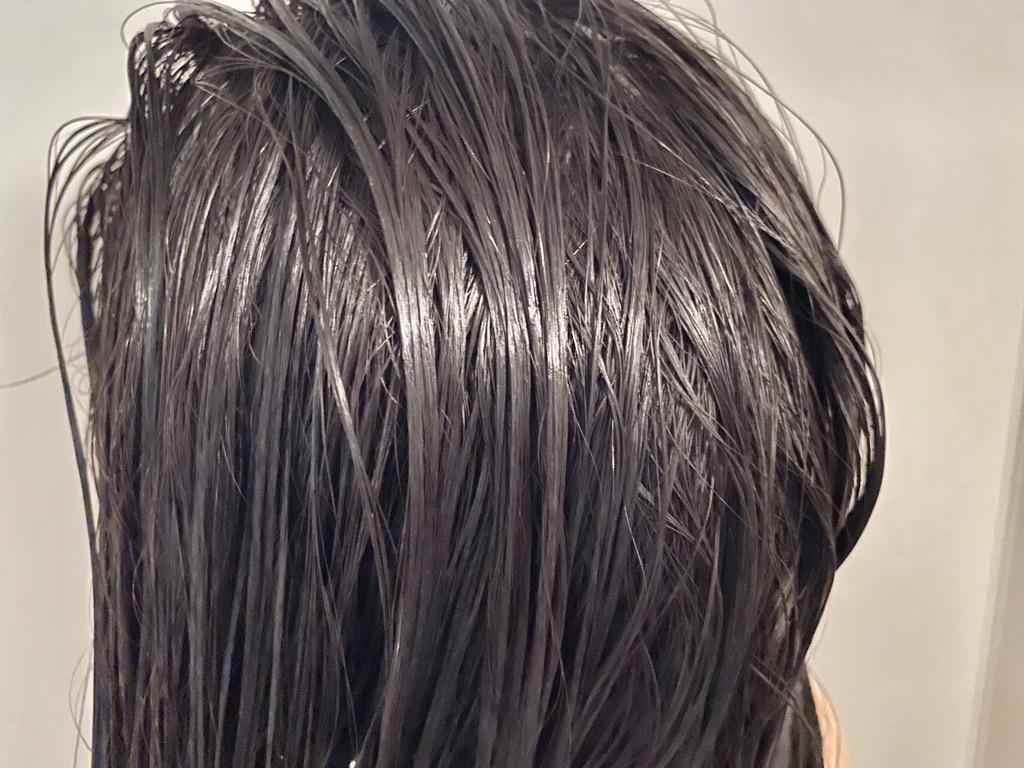 シャンプー後に琴髪ヘアトリートメントを塗った髪のアップ